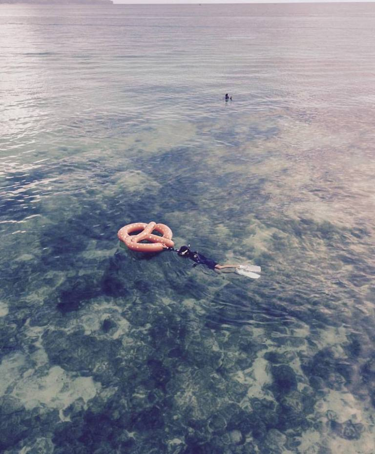 find a bretzel in the sea, not necessary means an utopia